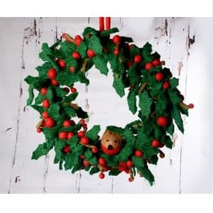 Small Holly Wreath with Robin