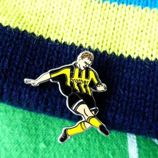 Dickov Wembley 99 Shot Pin Badge