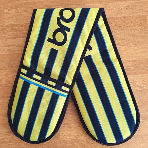 Wembley 99 Kit Oven Glove