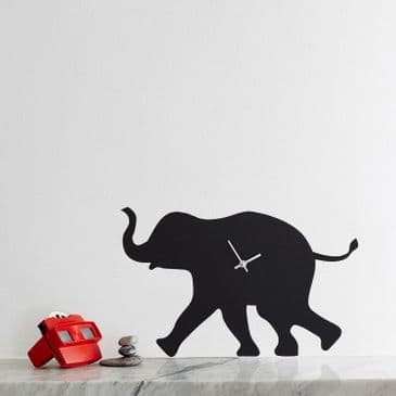 ELEPHANT CLOCK WITH WAGGING TAIL