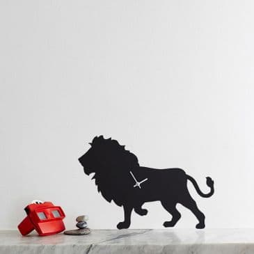 LION CLOCK WITH WAGGING TAIL