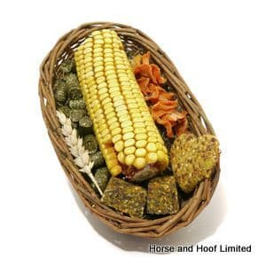 Rosewood Naturals Willow Small Animal Treat Basket 150g
