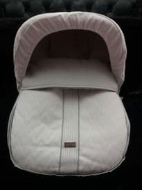 Rosy Fuentes White & Grey Leatherette Zig Zag Cover & Hood For First Stage Car Seat