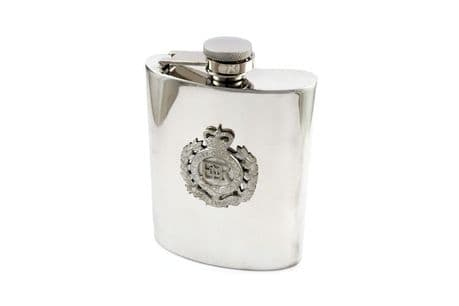 A fabulous presentation and gift idea for The Royal Engineers a wonderful 6oz pewter Hip Flask with the cap badge of the corps of royal engineers on one side.