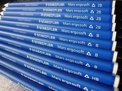 12 x STAEDTLER MARS ERGOSOFT GRAPHITE DRAWING SKETCHING ARTISTS PENCILS HB B 2B